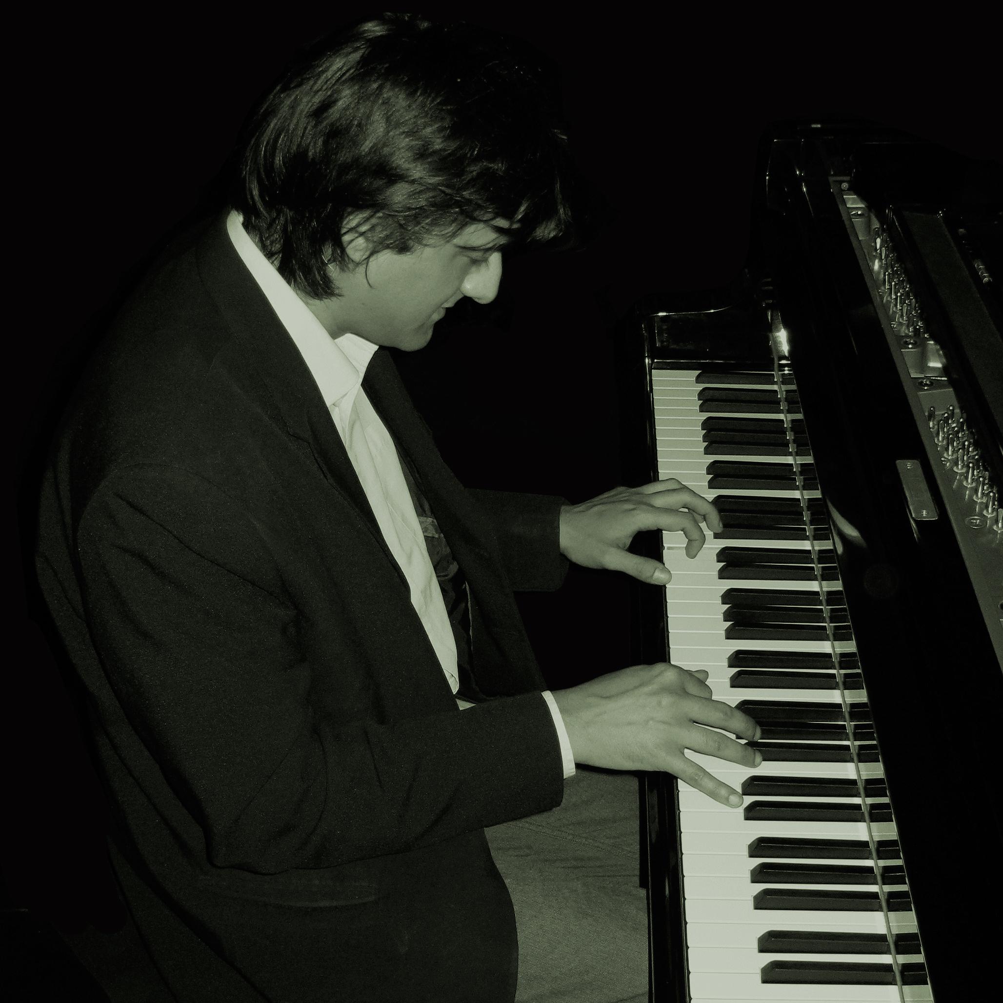 http://www.jazzinreading.com/jazz-gigs-reading-berkshire/Leon-G-pic.jpg